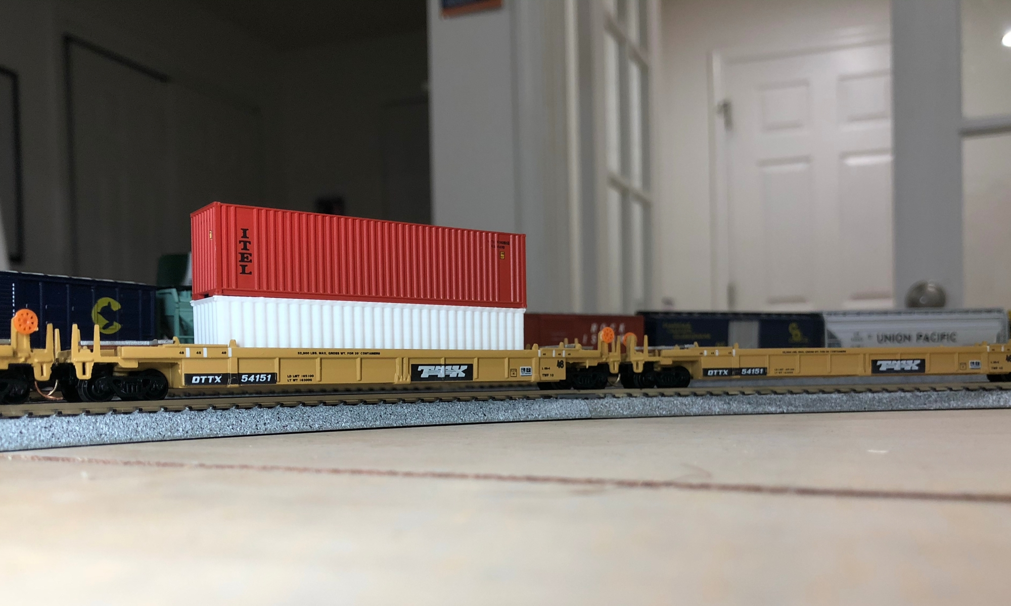3D Printed container (White) on N Scale railcar